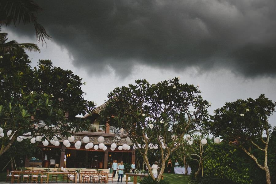 bali wedding destination-wedding in bali - bali photographer - pantai lima estate - profesional bali wedding photographer - diktatphotography - ade + sam - 30