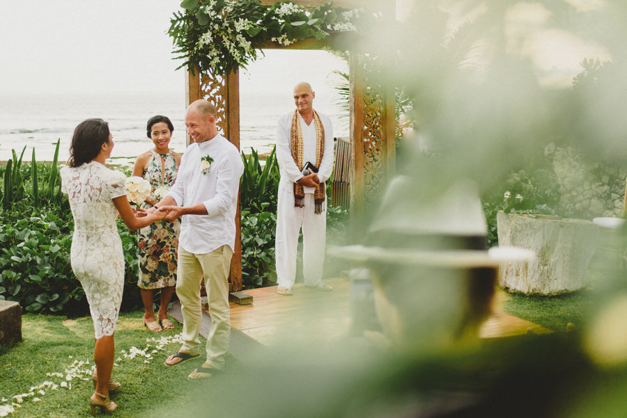 bali wedding destination-wedding in bali - bali photographer - pantai lima estate - profesional bali wedding photographer - diktatphotography - ade + sam - 34