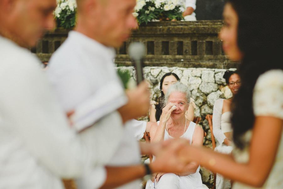 bali wedding destination-wedding in bali - bali photographer - pantai lima estate - profesional bali wedding photographer - diktatphotography - ade + sam - 38