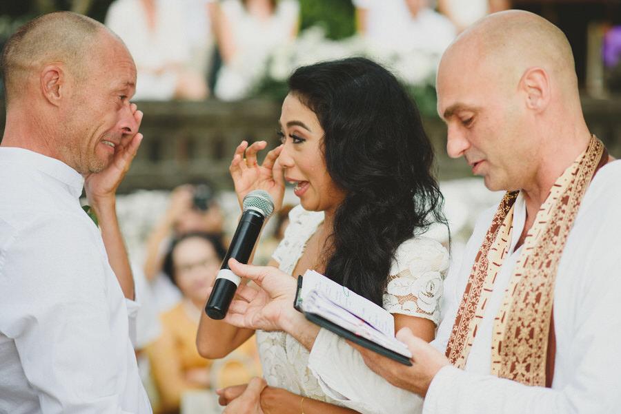 bali wedding destination-wedding in bali - bali photographer - pantai lima estate - profesional bali wedding photographer - diktatphotography - ade + sam - 41