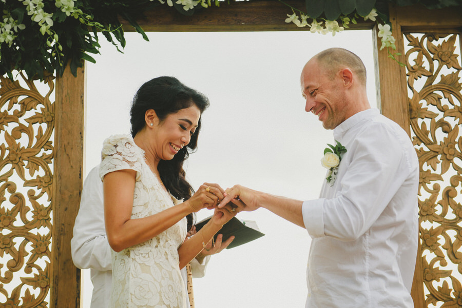bali wedding destination-wedding in bali - bali photographer - pantai lima estate - profesional bali wedding photographer - diktatphotography - ade + sam - 42