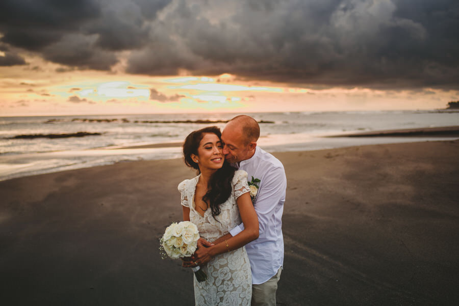 bali wedding destination-wedding in bali - bali photographer - pantai lima estate - profesional bali wedding photographer - diktatphotography - ade + sam - 54