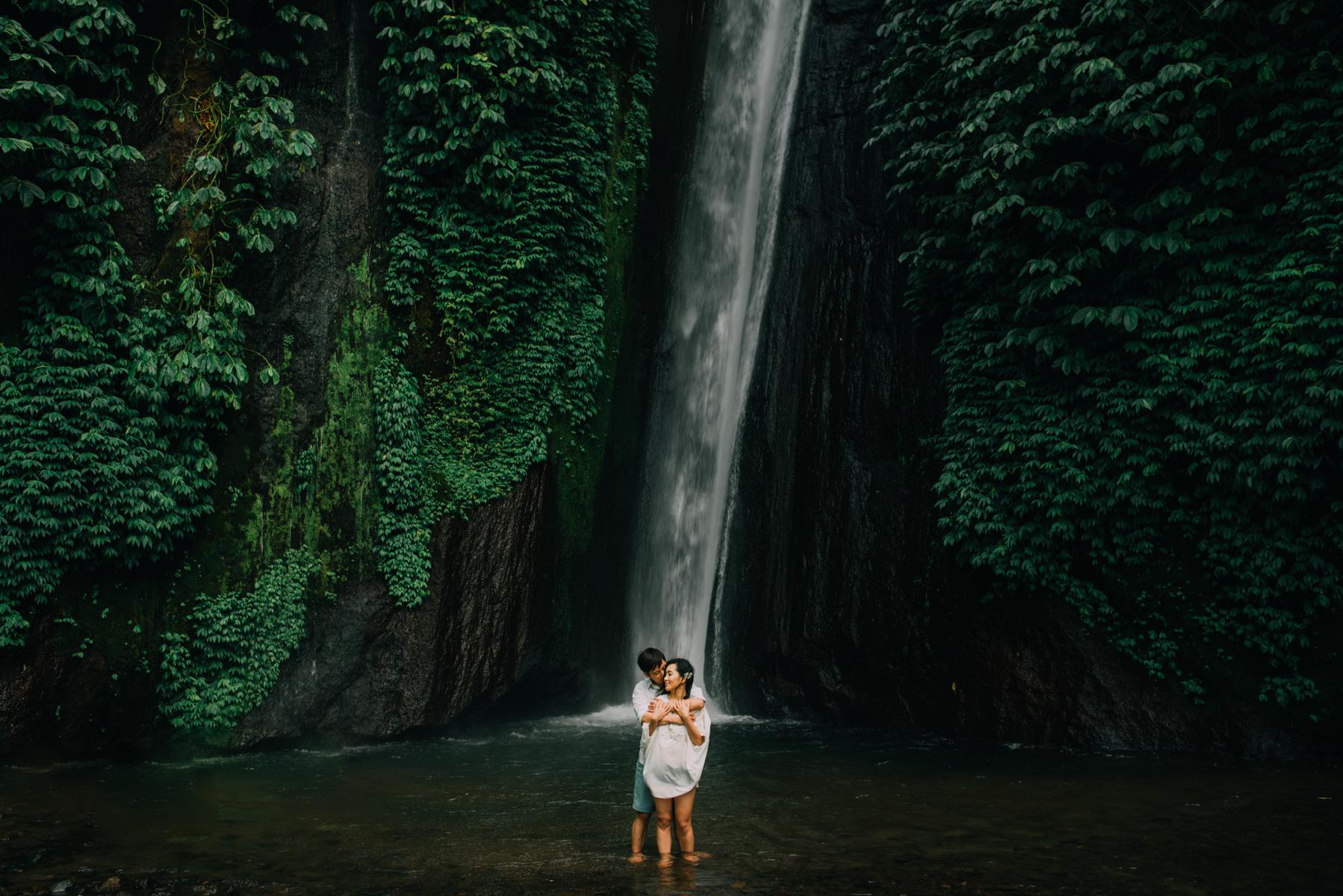 diktatphotography-baliweddingphotography-preweddinginbali-danautamblingan-uluwatu-17