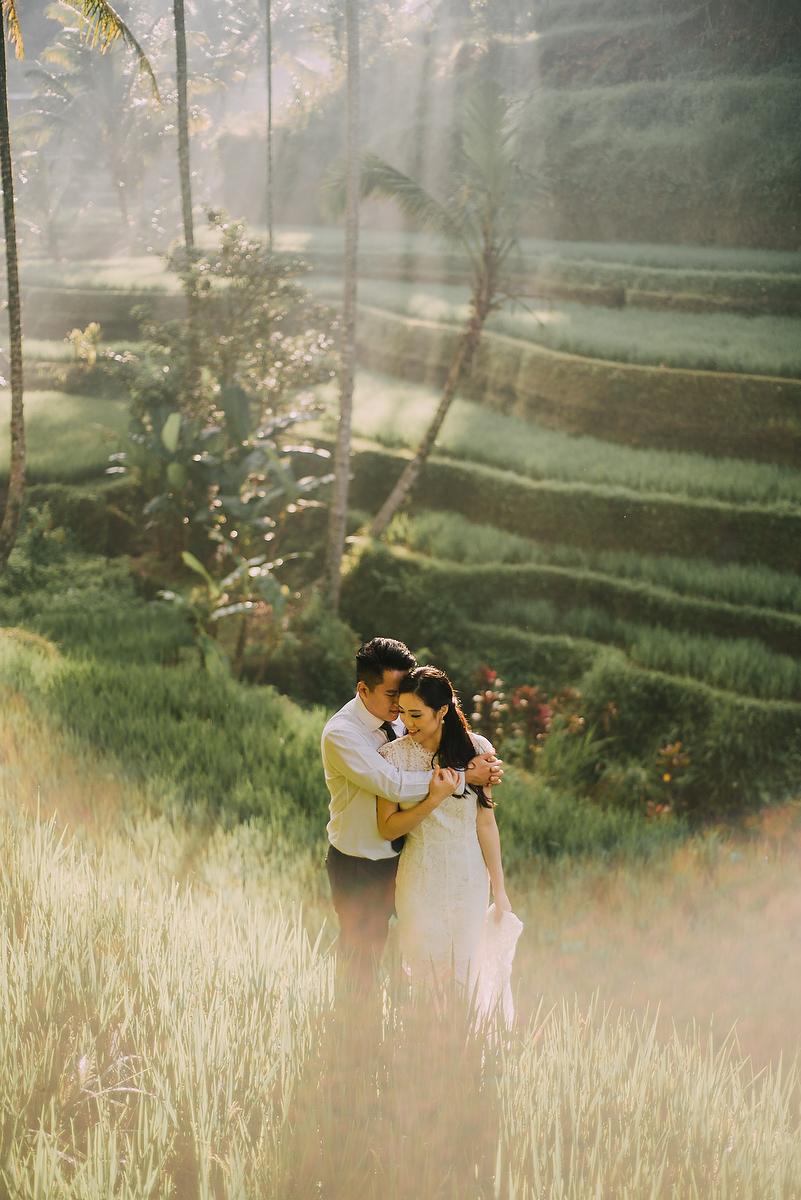 prewedding-engagement-diktatphotograpgy-preweddinginbali-tegalalang-ubud-tegenungun-airterjun-jimbaran-21