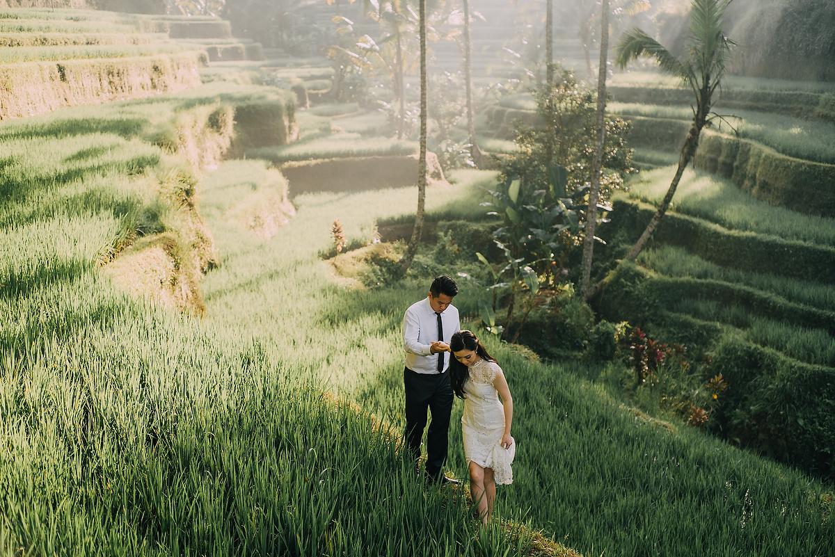 prewedding-engagement-diktatphotograpgy-preweddinginbali-tegalalang-ubud-tegenungun-airterjun-jimbaran-22