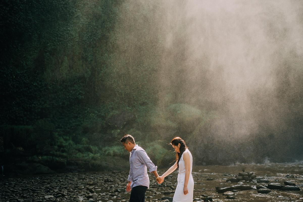 prewedding-engagement-diktatphotograpgy-preweddinginbali-tegalalang-ubud-tegenungun-airterjun-jimbaran-27