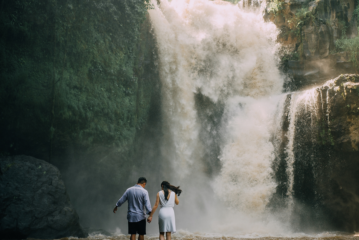 prewedding-engagement-diktatphotograpgy-preweddinginbali-tegalalang-ubud-tegenungun-airterjun-jimbaran-31