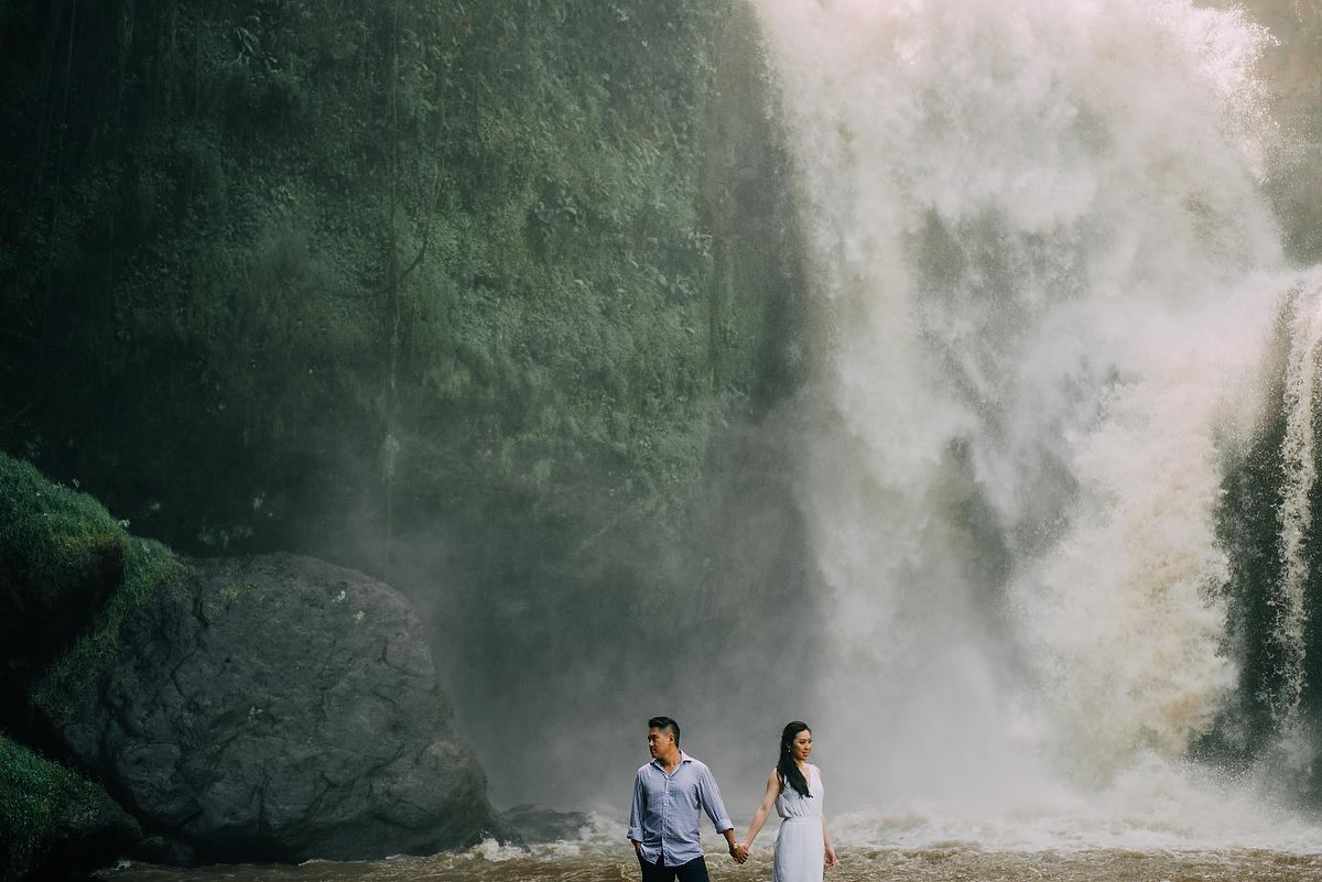 prewedding-engagement-diktatphotograpgy-preweddinginbali-tegalalang-ubud-tegenungun-airterjun-jimbaran-33