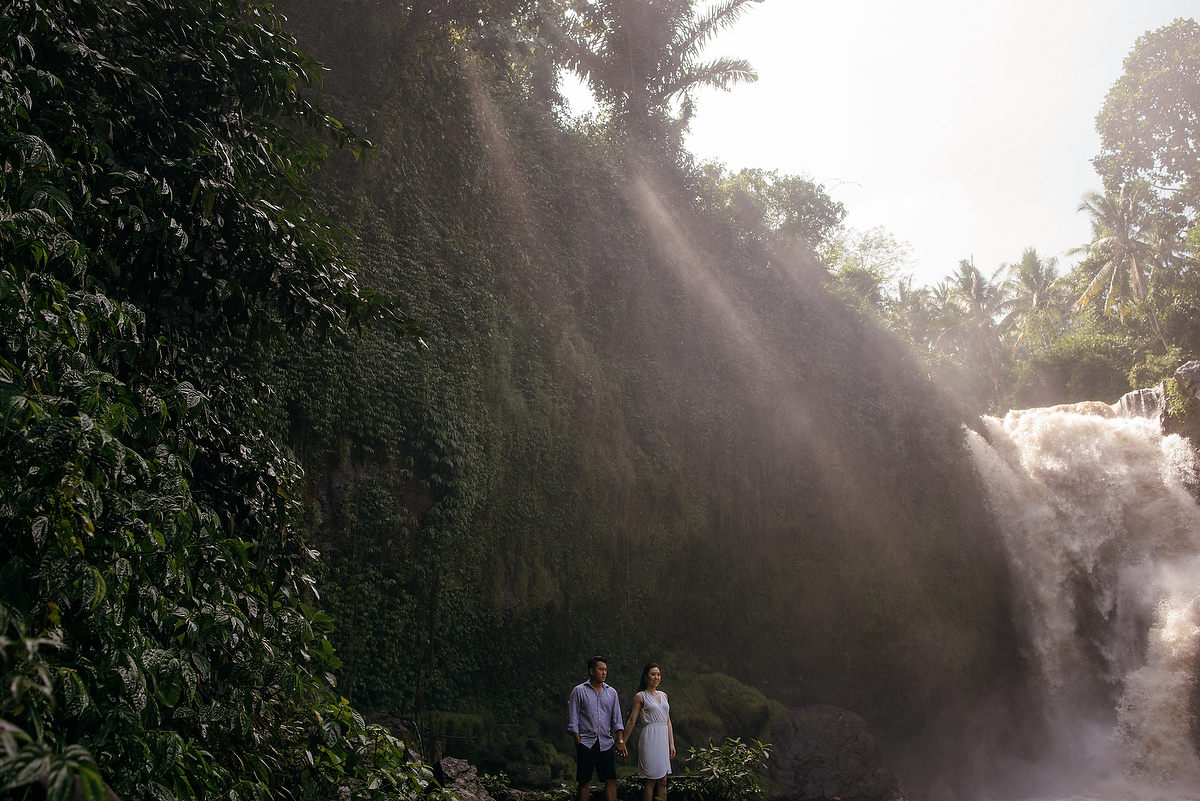 prewedding-engagement-diktatphotograpgy-preweddinginbali-tegalalang-ubud-tegenungun-airterjun-jimbaran-36