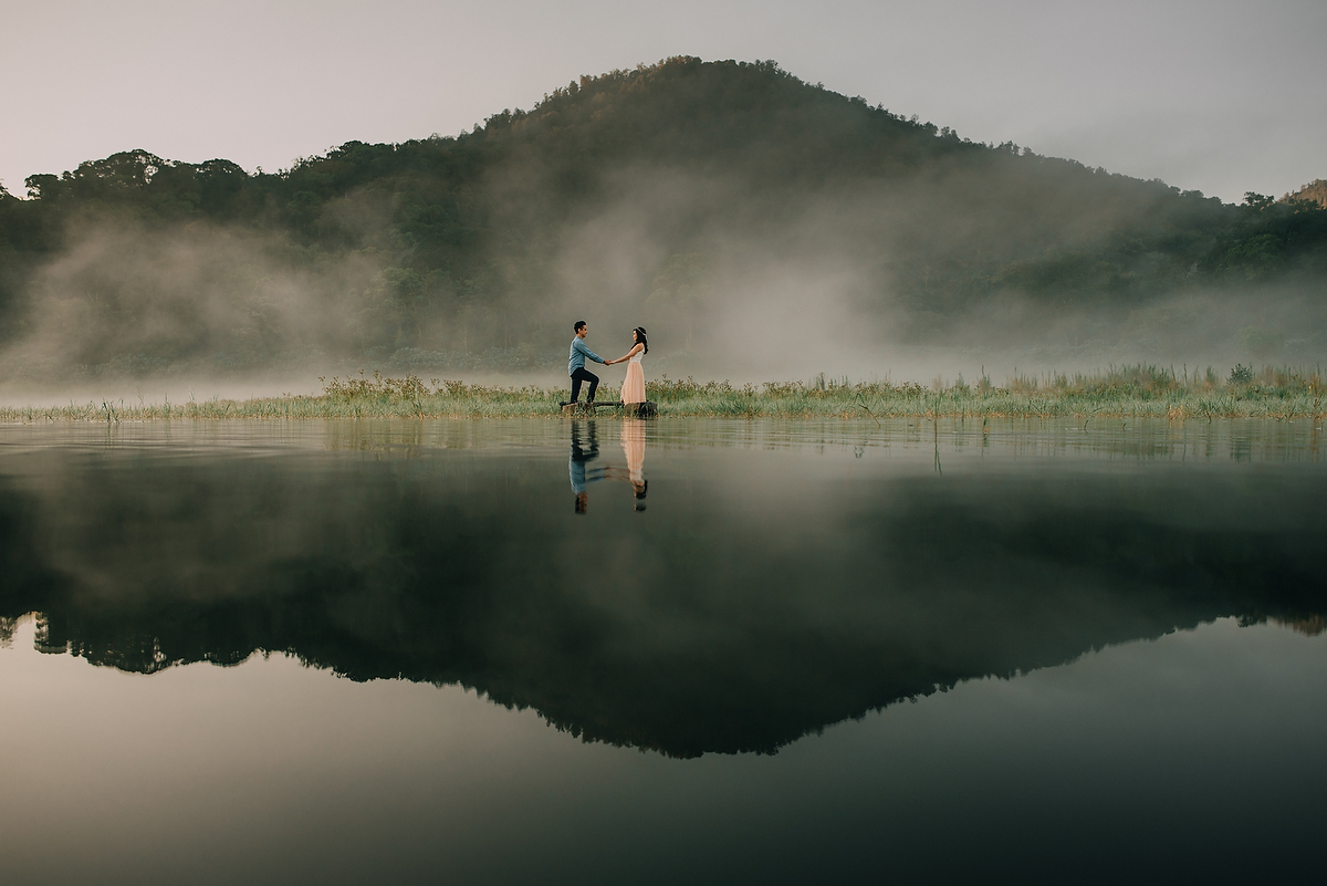 preweddinginbali-engagementinbali-tamblingan-canggu-diktatphotography-10
