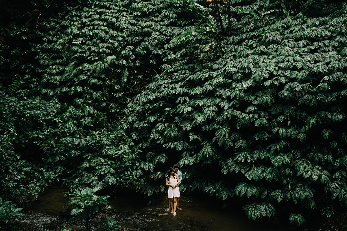 preweddinginbali-engagementinbali-tamblingan-canggu-diktatphotography-21
