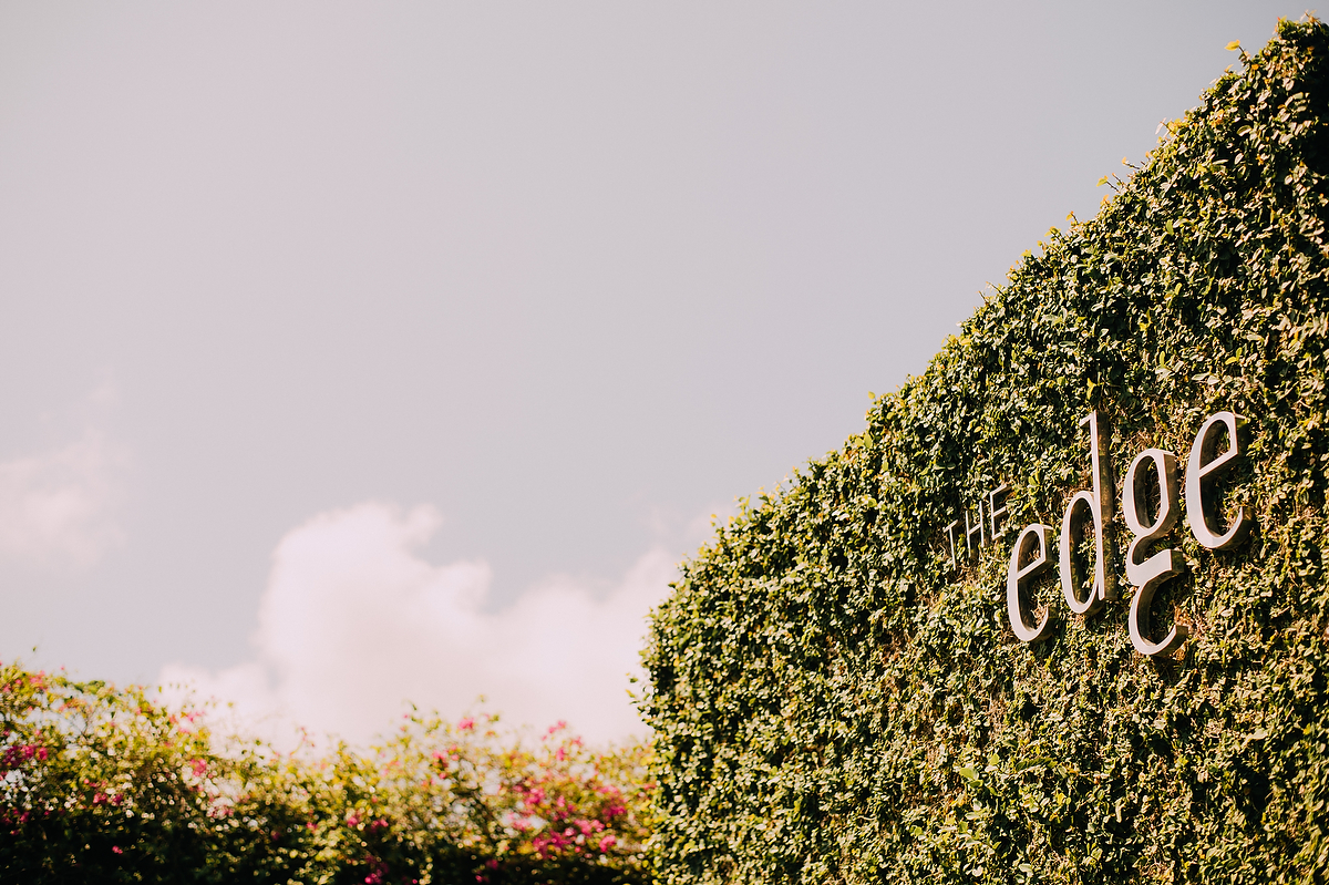 wedding-aprilia-chris-theedge-uluwatu-diktatphotography-weddinginbali-weddingdestination-1