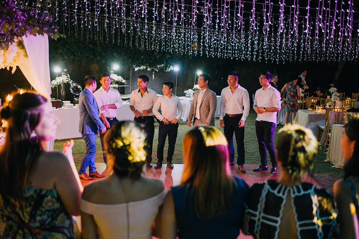 wedding-aprilia-chris-theedge-uluwatu-diktatphotography-weddinginbali-weddingdestination-116