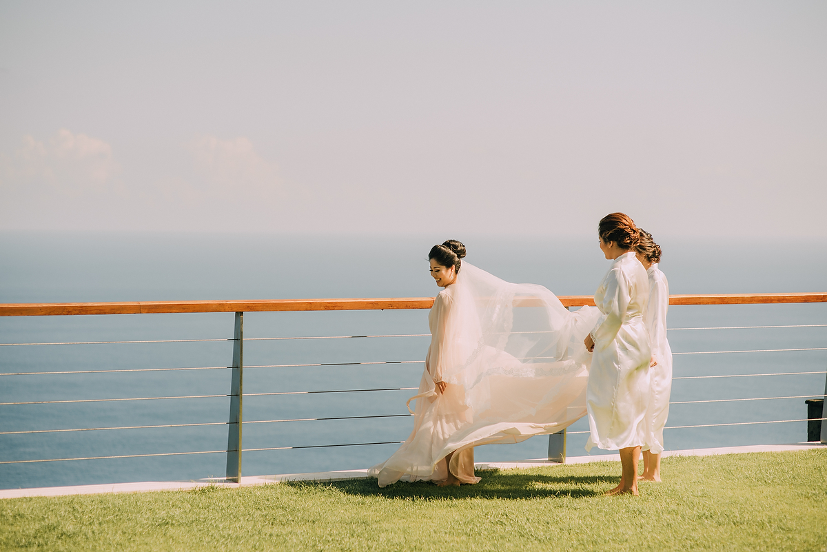 wedding-aprilia-chris-theedge-uluwatu-diktatphotography-weddinginbali-weddingdestination-18
