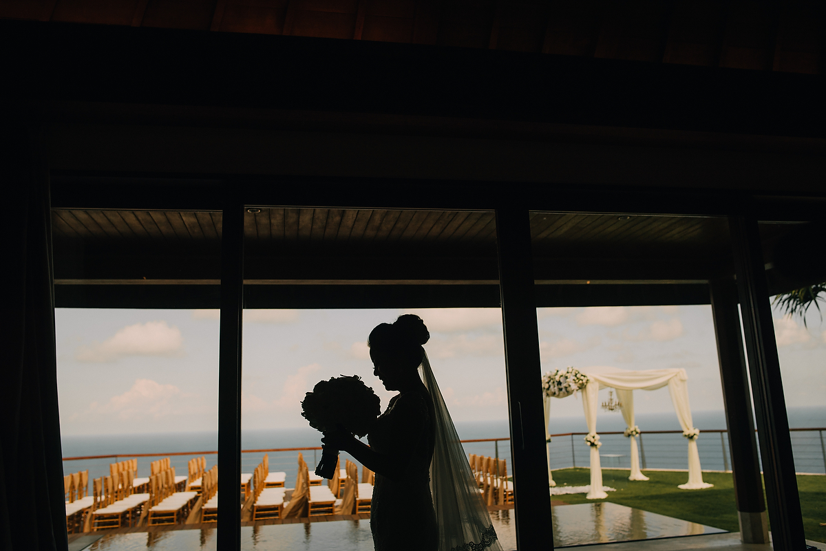 wedding-aprilia-chris-theedge-uluwatu-diktatphotography-weddinginbali-weddingdestination-27