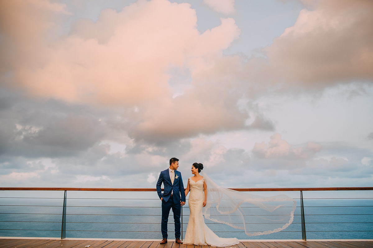 wedding-aprilia-chris-theedge-uluwatu-diktatphotography-weddinginbali-weddingdestination-77