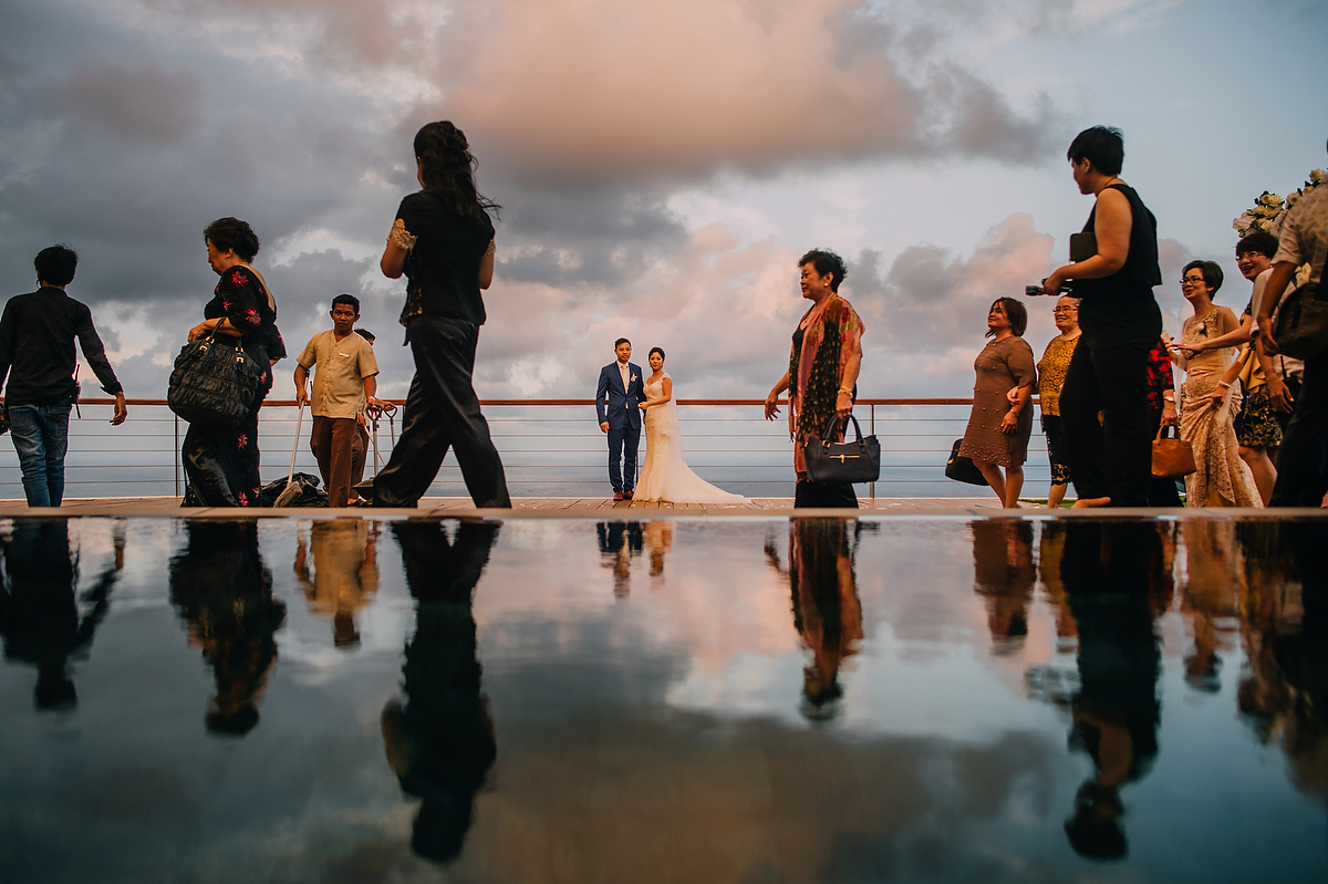 wedding-aprilia-chris-theedge-uluwatu-diktatphotography-weddinginbali-weddingdestination-78