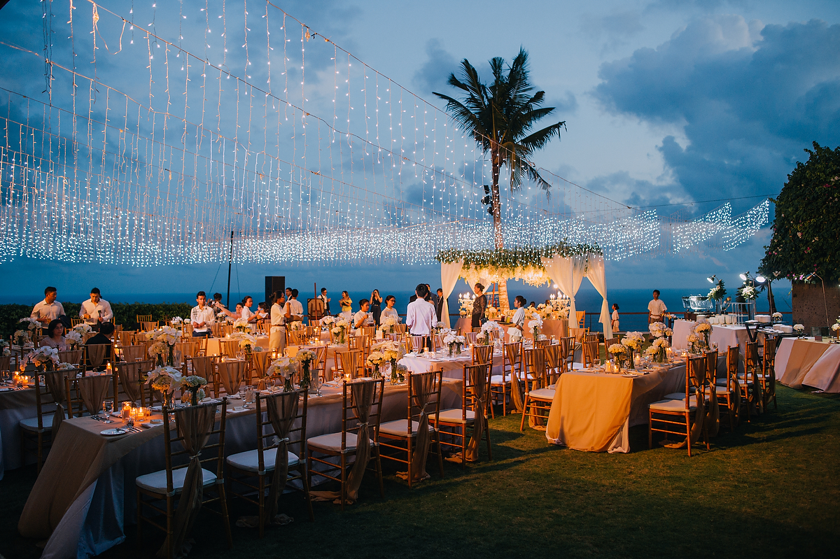 wedding-aprilia-chris-theedge-uluwatu-diktatphotography-weddinginbali-weddingdestination-88