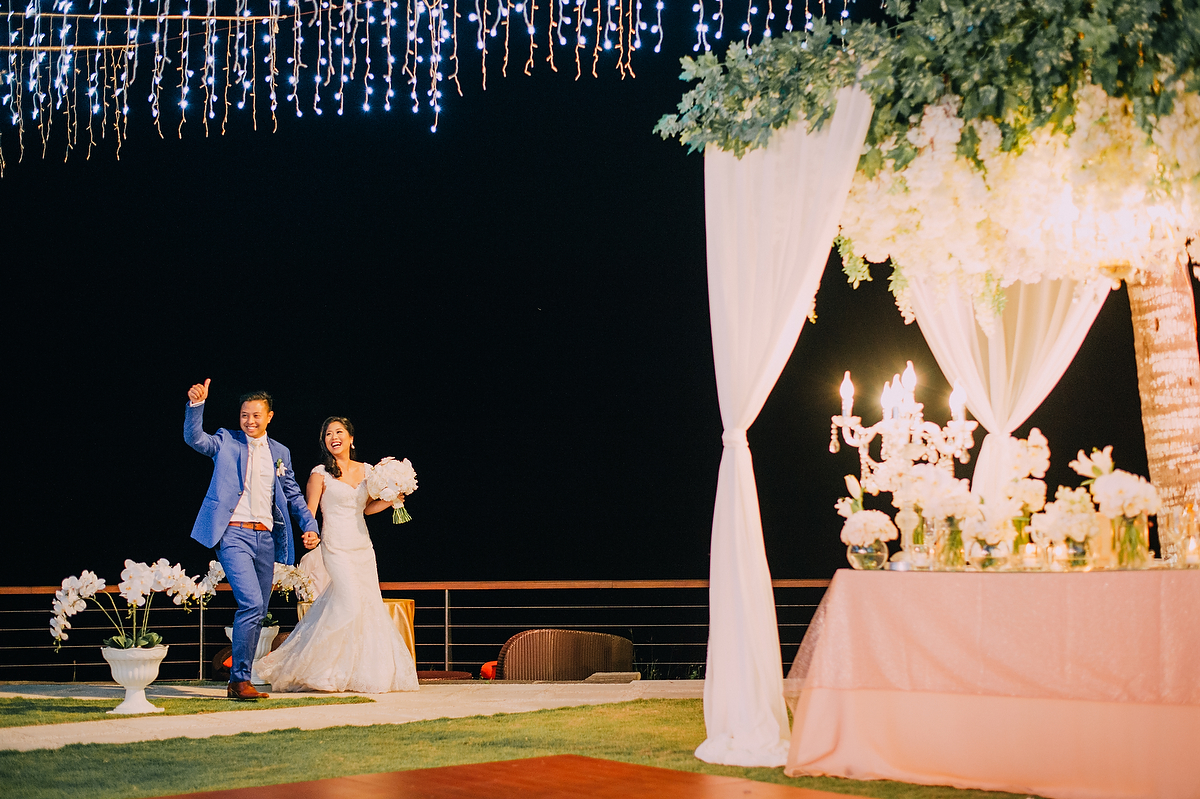 wedding-aprilia-chris-theedge-uluwatu-diktatphotography-weddinginbali-weddingdestination-93