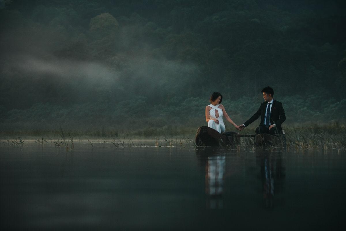 bali engagement destination-prewedding in bali - bali photographer - lake tamblingan - mount batur - profesional bali wedding photographer - diktatphotography - H&Z prewedding - 20