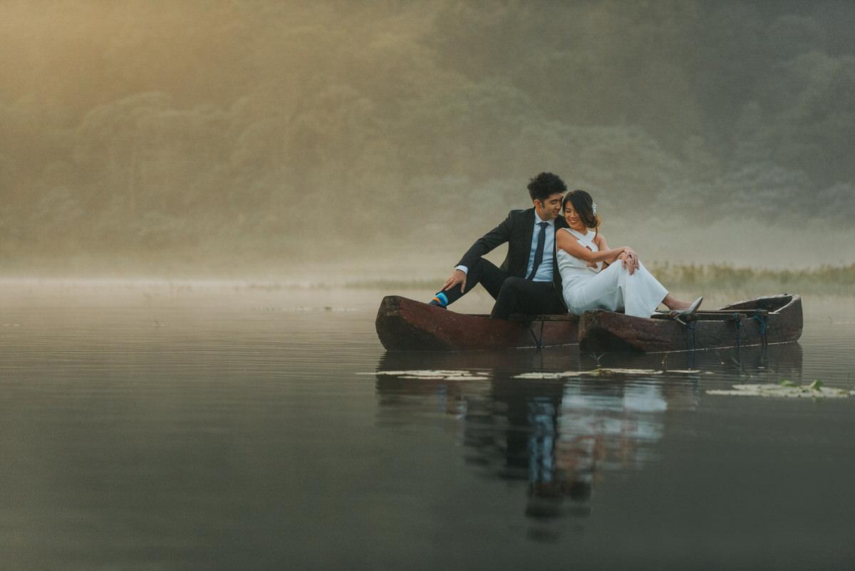 bali engagement destination-prewedding in bali - bali photographer - lake tamblingan - mount batur - profesional bali wedding photographer - diktatphotography - H&Z prewedding - 22