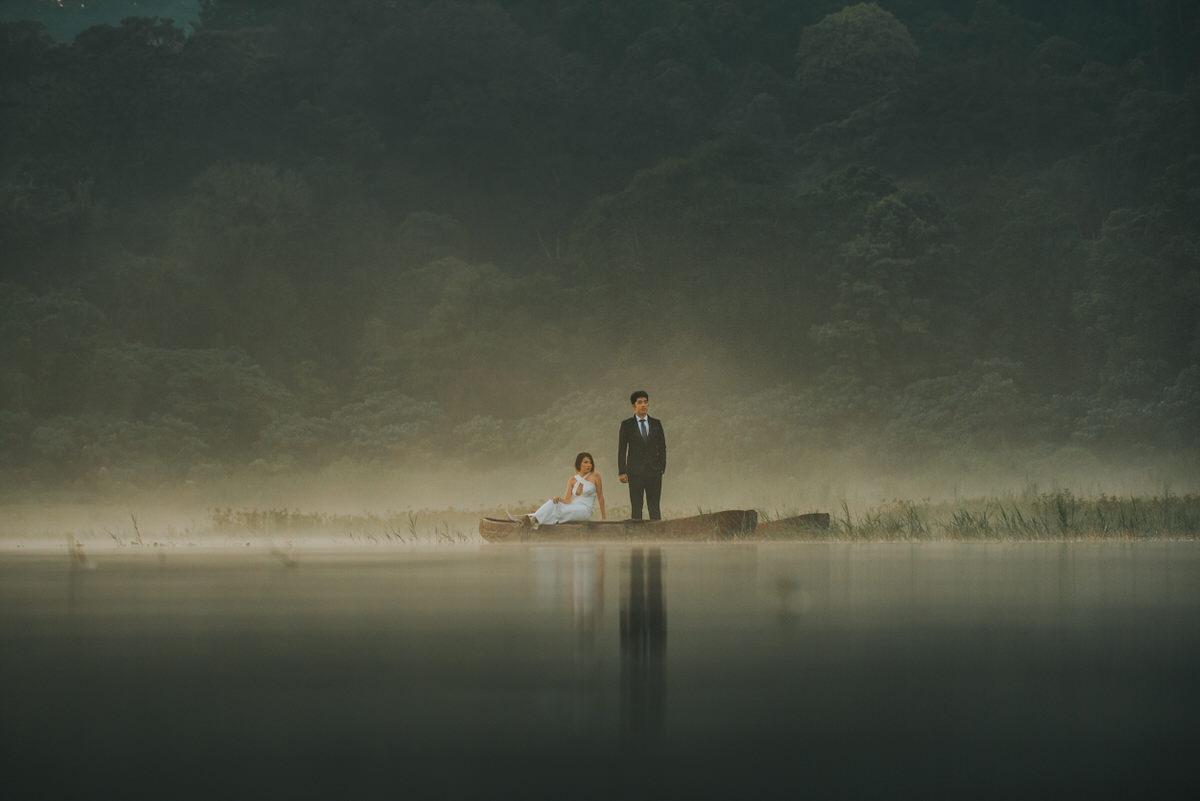 bali engagement destination-prewedding in bali - bali photographer - lake tamblingan - mount batur - profesional bali wedding photographer - diktatphotography - H&Z prewedding - 23