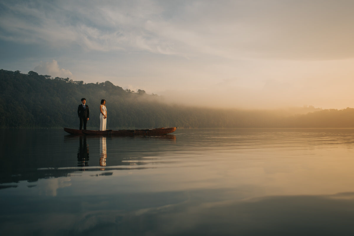 bali engagement destination-prewedding in bali - bali photographer - lake tamblingan - mount batur - profesional bali wedding photographer - diktatphotography - H&Z prewedding - 26