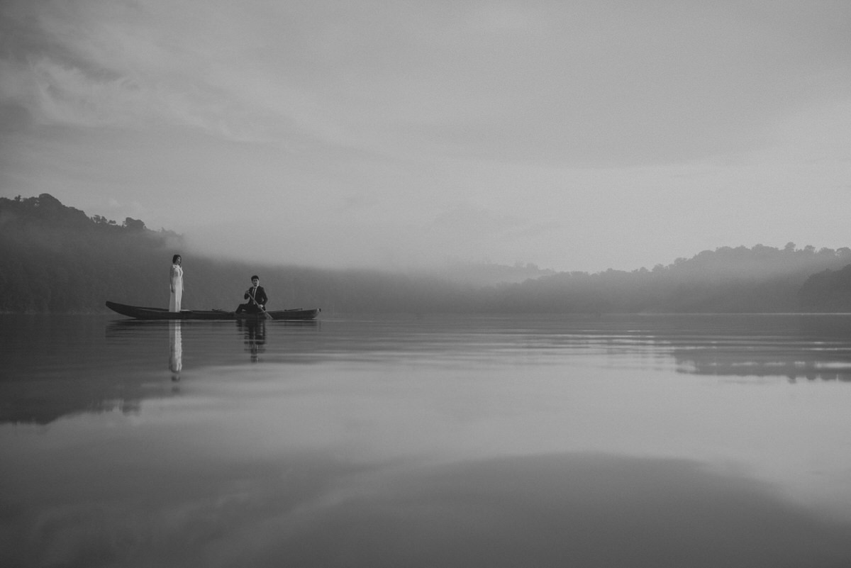 bali engagement destination-prewedding in bali - bali photographer - lake tamblingan - mount batur - profesional bali wedding photographer - diktatphotography - H&Z prewedding - 28