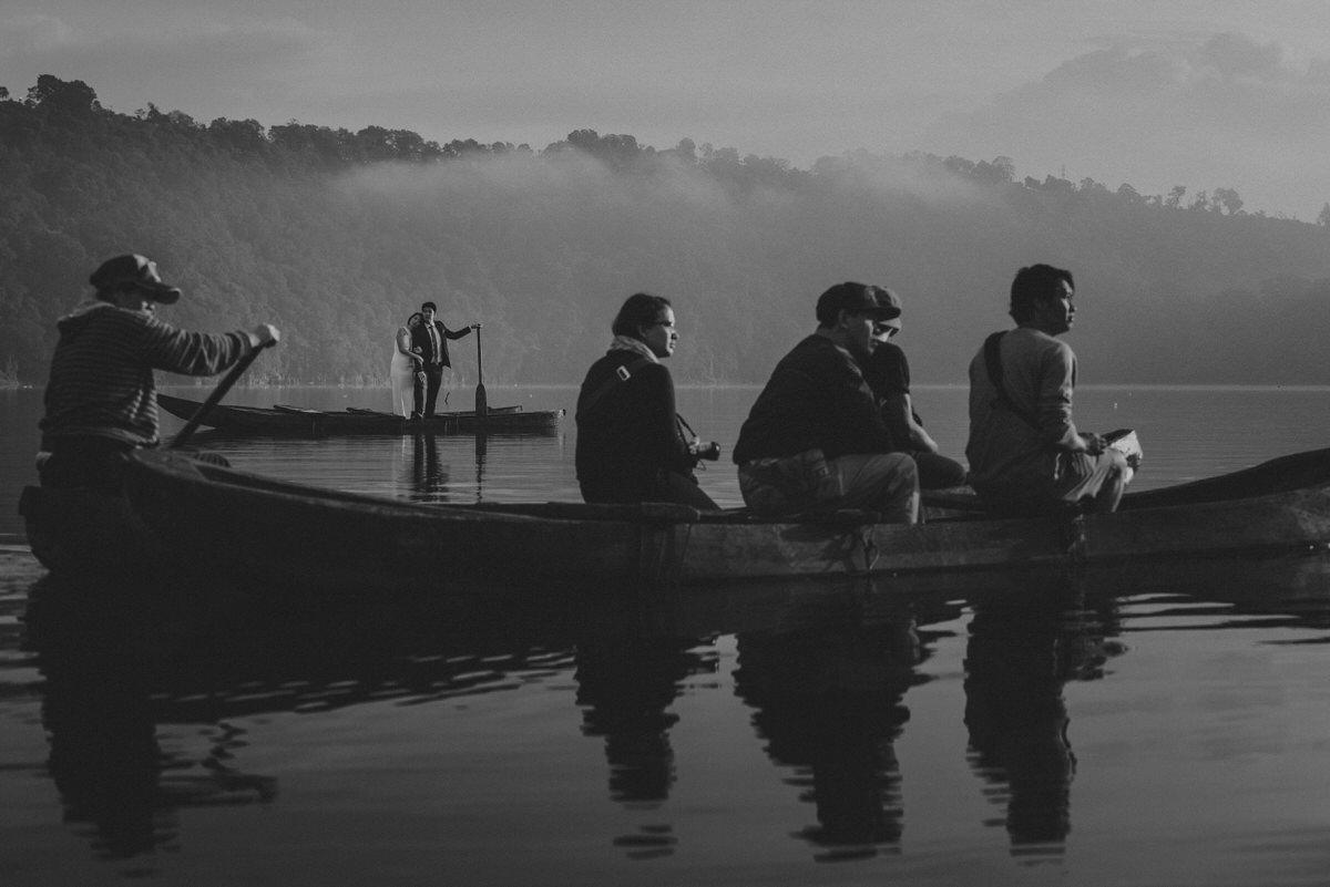 bali engagement destination-prewedding in bali - bali photographer - lake tamblingan - mount batur - profesional bali wedding photographer - diktatphotography - H&Z prewedding - 29