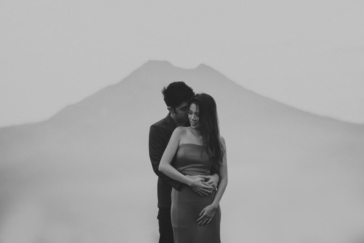 bali engagement destination-prewedding in bali - bali photographer - lake tamblingan - mount batur - profesional bali wedding photographer - diktatphotography - H&Z prewedding - 34
