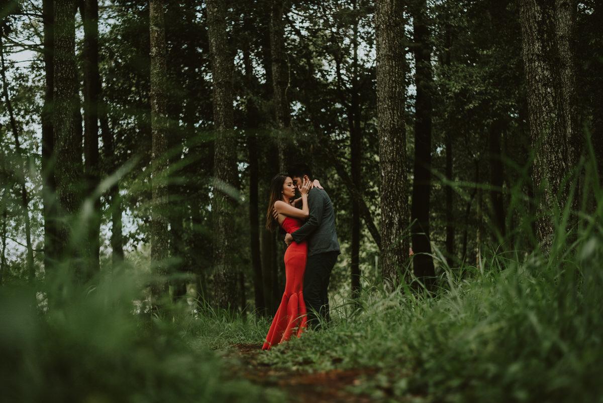 bali engagement destination-prewedding in bali - bali photographer - lake tamblingan - mount batur - profesional bali wedding photographer - diktatphotography - H&Z prewedding - 43