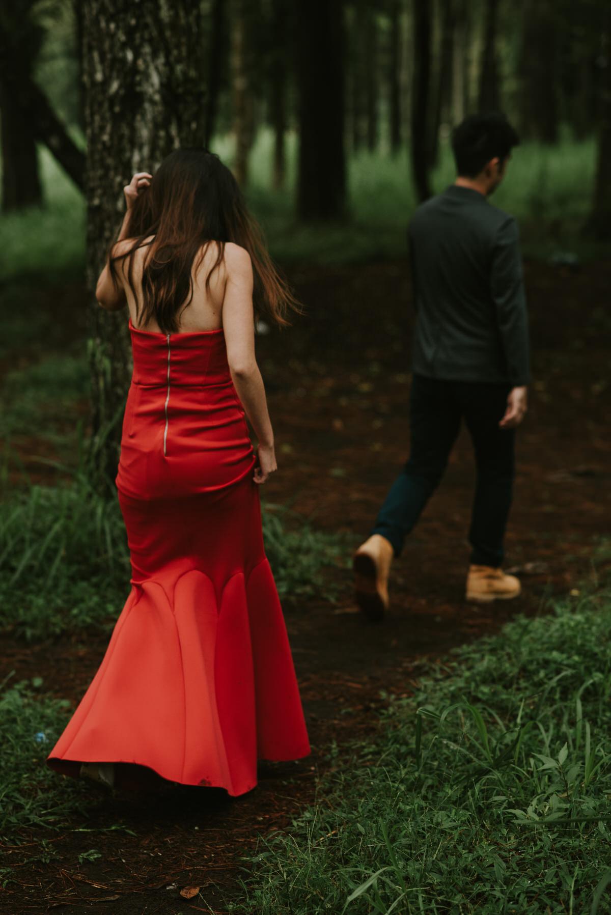 bali engagement destination-prewedding in bali - bali photographer - lake tamblingan - mount batur - profesional bali wedding photographer - diktatphotography - H&Z prewedding - 45
