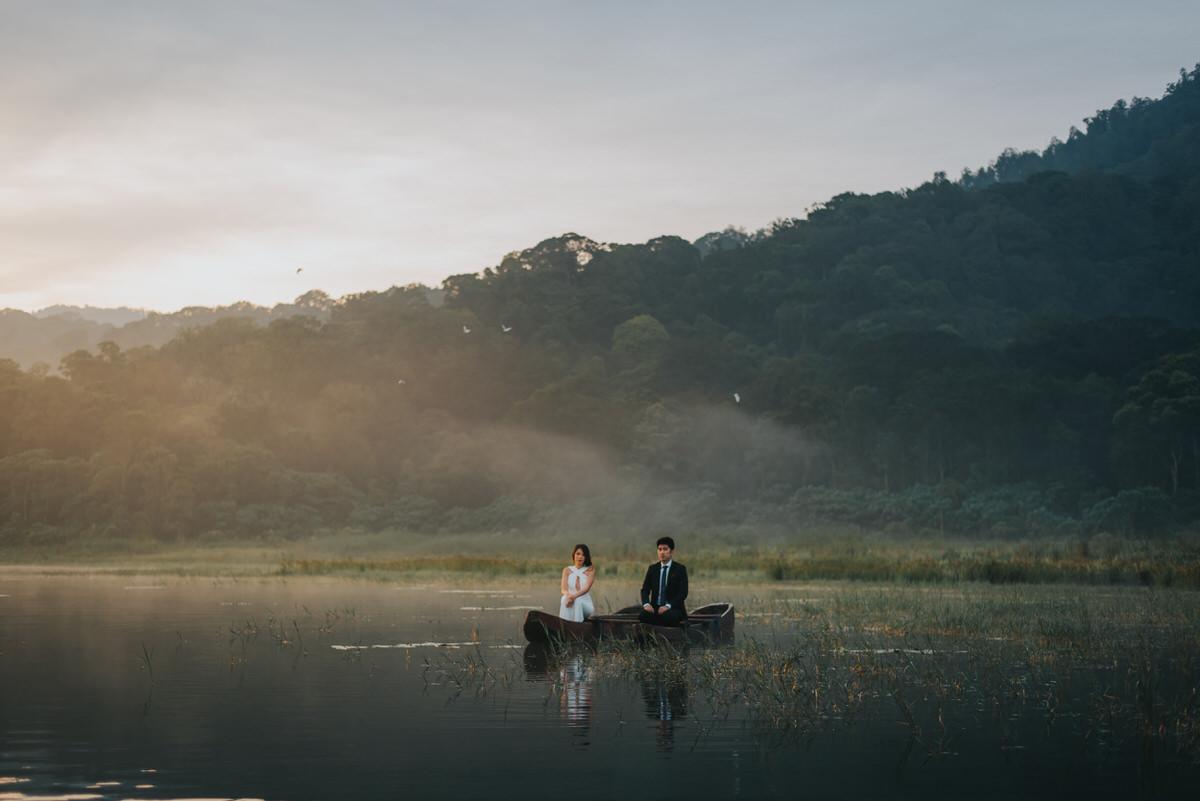 bali engagement destination-prewedding in bali - bali photographer - lake tamblingan - mount batur - profesional bali wedding photographer - diktatphotography - H&Z prewedding - 48