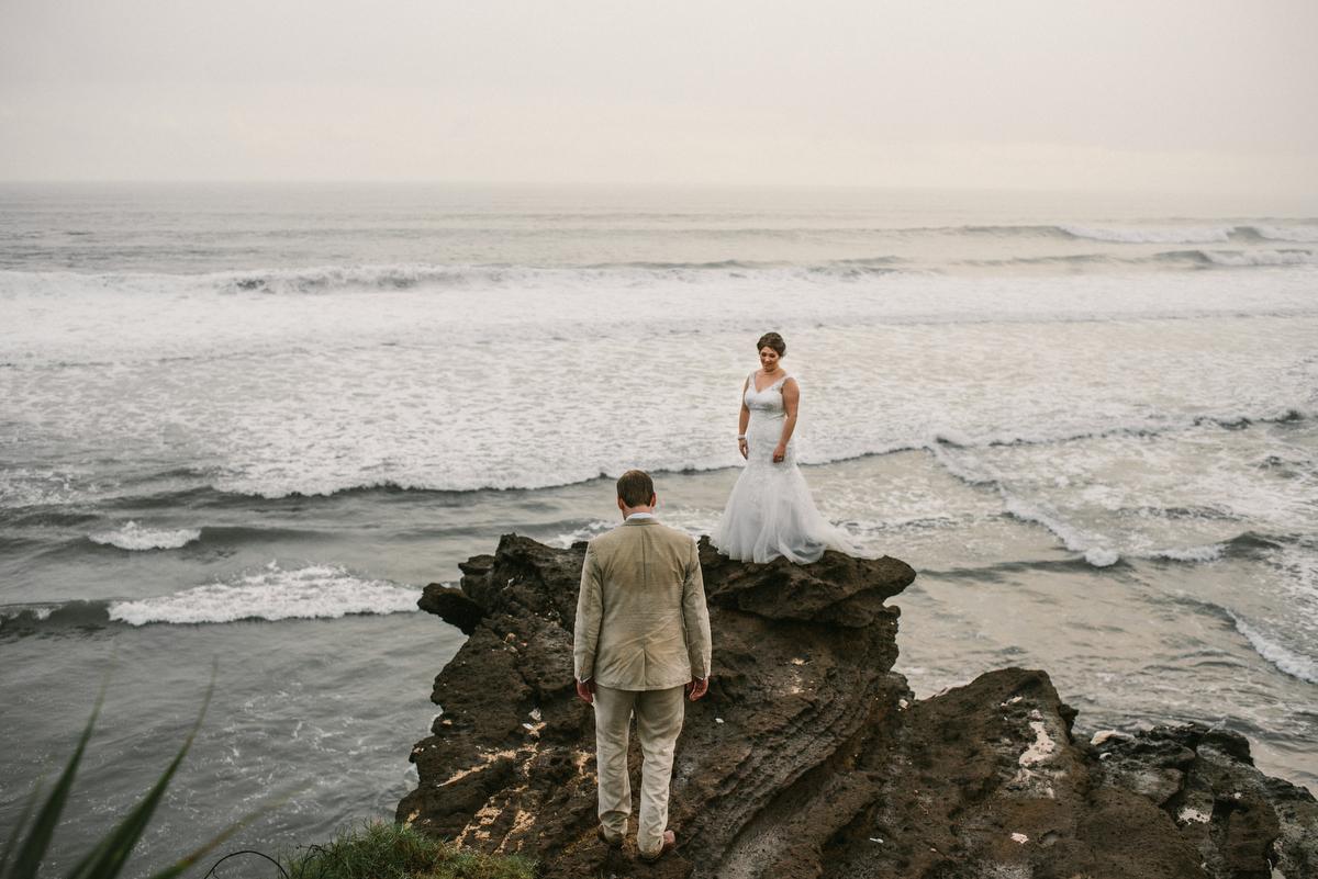 weddinginbali-baliweddingphotographer-alilavillassoori-diktatphotography-baliweddingdestination-55