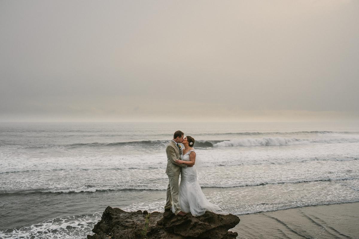 weddinginbali-baliweddingphotographer-alilavillassoori-diktatphotography-baliweddingdestination-56
