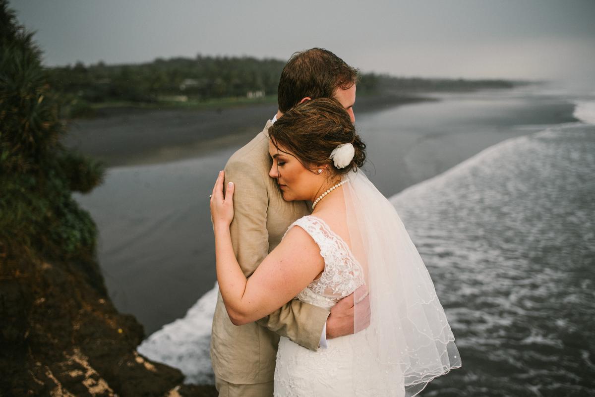 weddinginbali-baliweddingphotographer-alilavillassoori-diktatphotography-baliweddingdestination-57