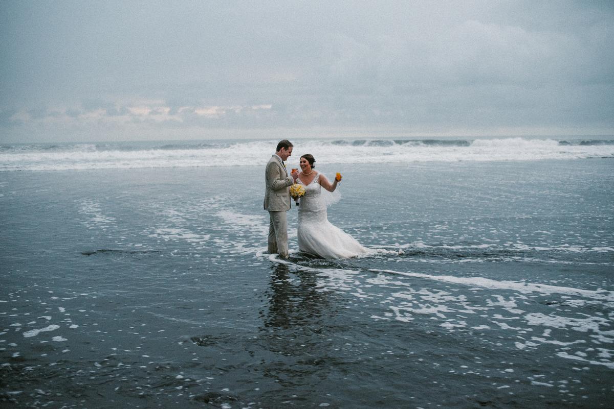 weddinginbali-baliweddingphotographer-alilavillassoori-diktatphotography-baliweddingdestination-69
