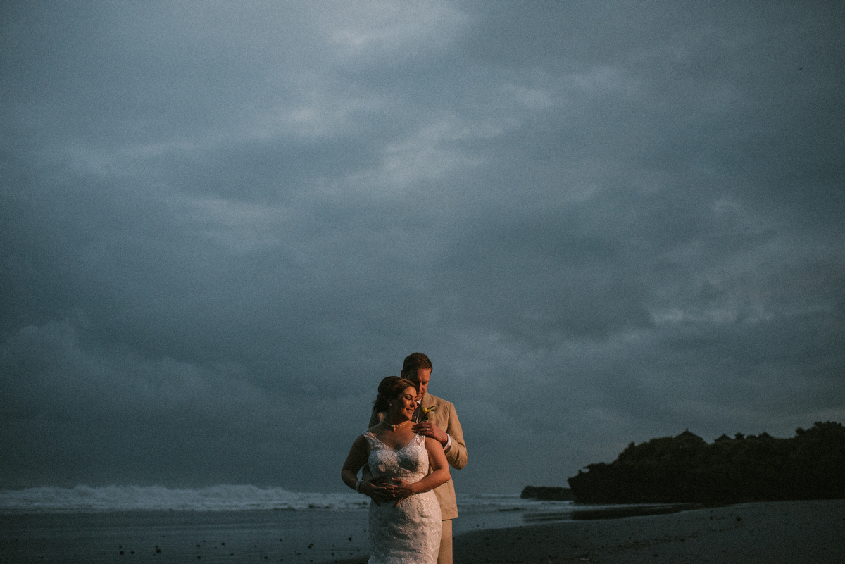 weddinginbali-baliweddingphotographer-alilavillassoori-diktatphotography-baliweddingdestination-70
