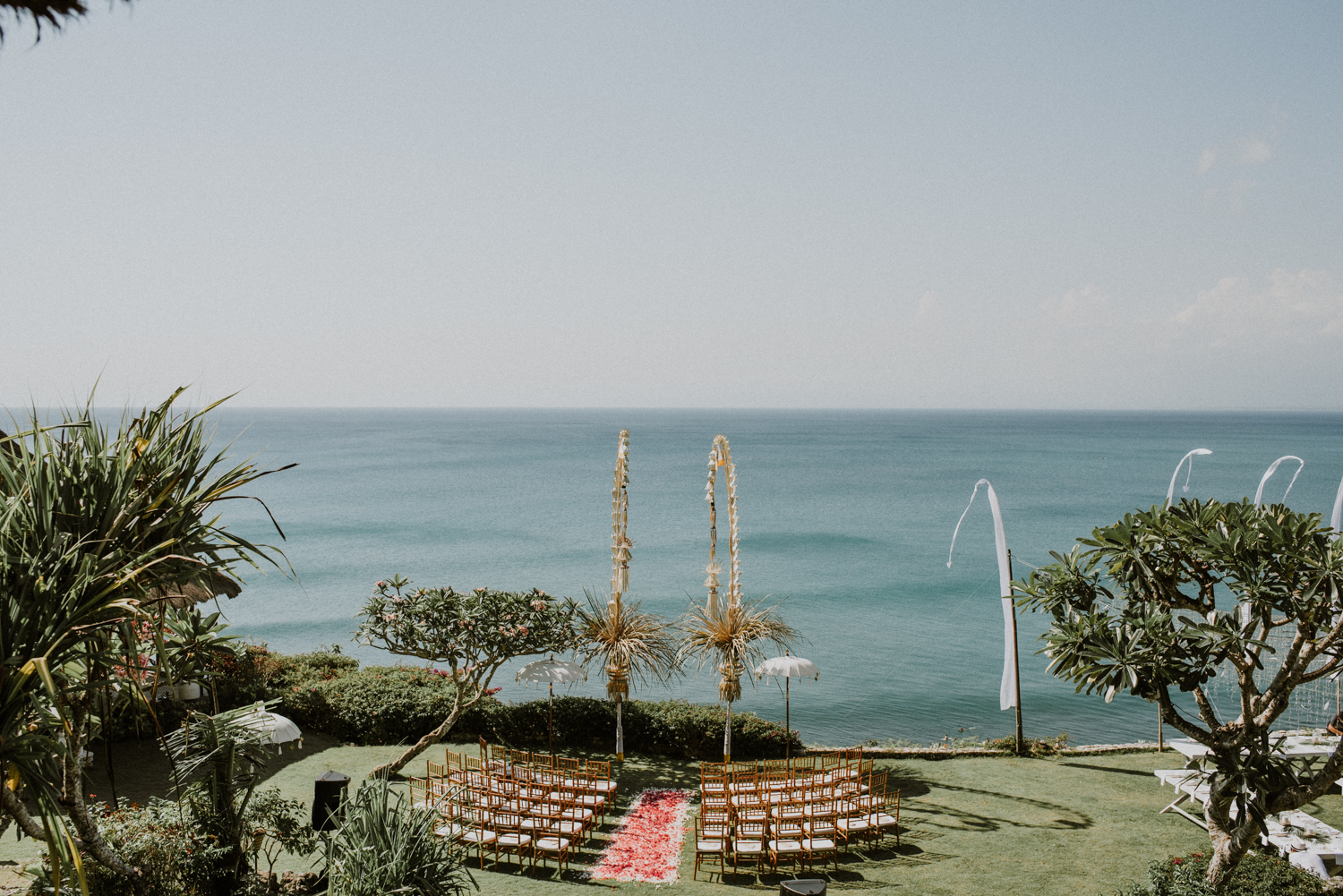 baliweddingdestination-weddinginbali-baliweddingphotographer-diktatphotography-bayuhsabbha-uluwatu-bali-31