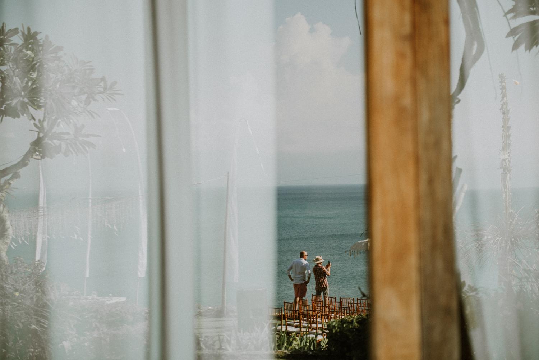 baliweddingdestination-weddinginbali-baliweddingphotographer-diktatphotography-bayuhsabbha-uluwatu-bali-38