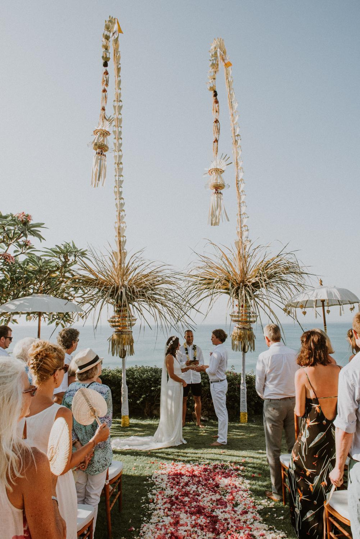 baliweddingdestination-weddinginbali-baliweddingphotographer-diktatphotography-bayuhsabbha-uluwatu-bali-47
