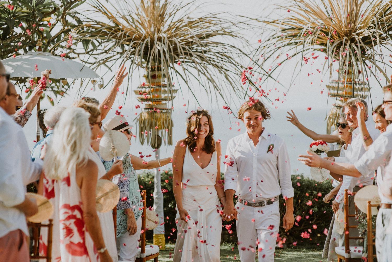 baliweddingdestination-weddinginbali-baliweddingphotographer-diktatphotography-bayuhsabbha-uluwatu-bali-48