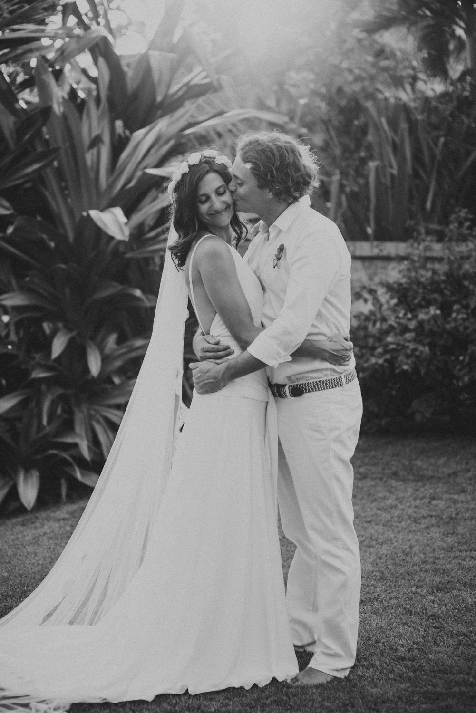 baliweddingdestination-weddinginbali-baliweddingphotographer-diktatphotography-bayuhsabbha-uluwatu-bali-63