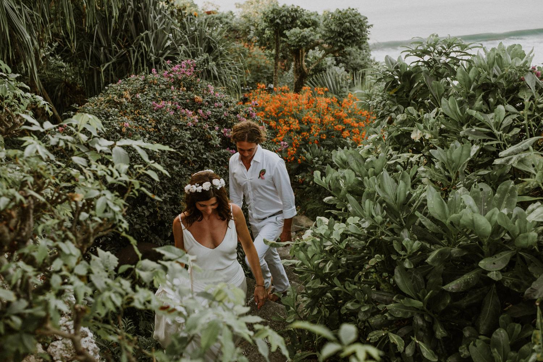 baliweddingdestination-weddinginbali-baliweddingphotographer-diktatphotography-bayuhsabbha-uluwatu-bali-68