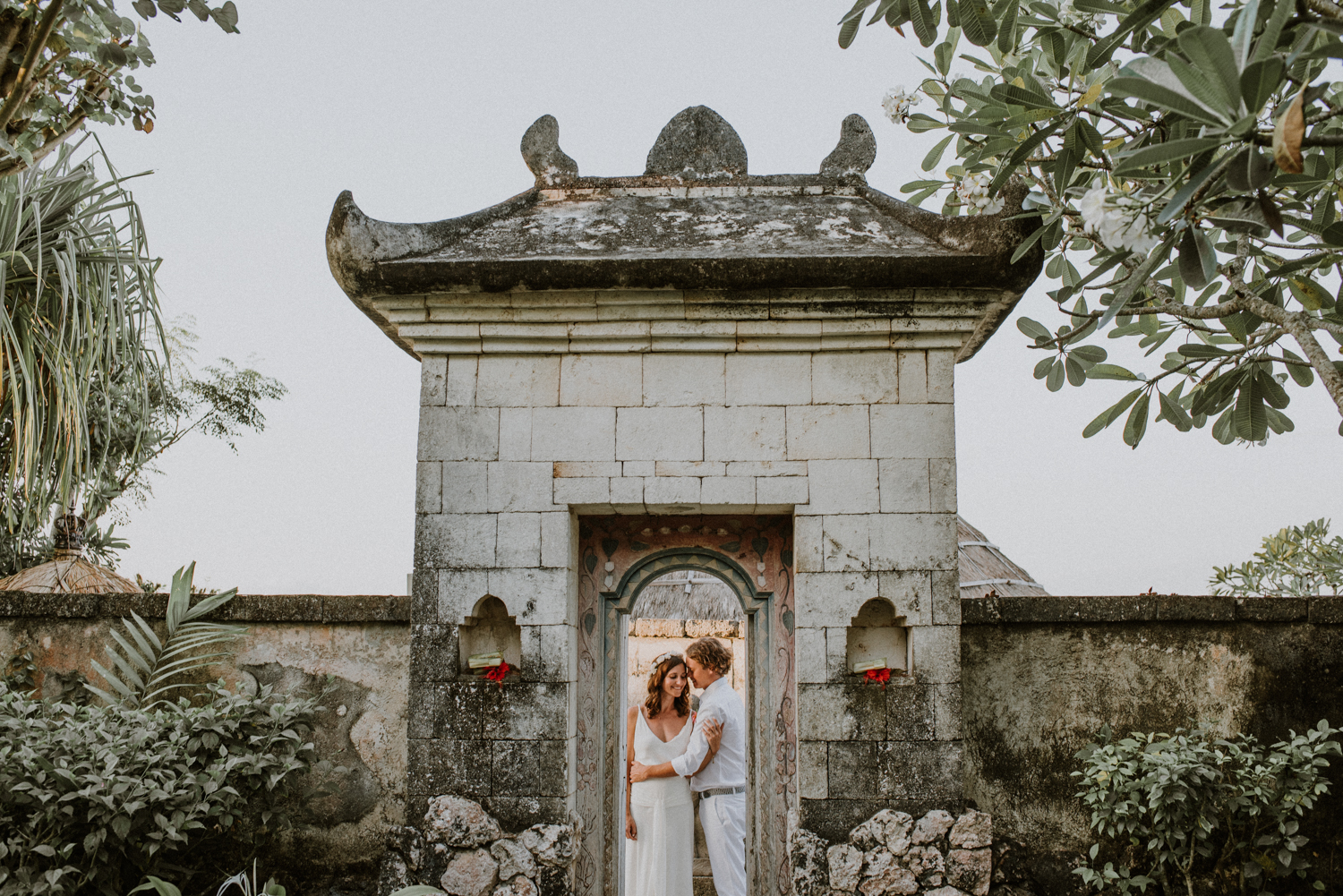 baliweddingdestination-weddinginbali-baliweddingphotographer-diktatphotography-bayuhsabbha-uluwatu-bali-69