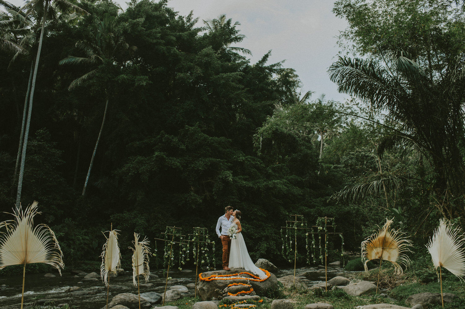 bali-wedding-ubud-wedding-wedding-destination-diktatphotography-kadek-artayasa-elaine-and-glenn-092