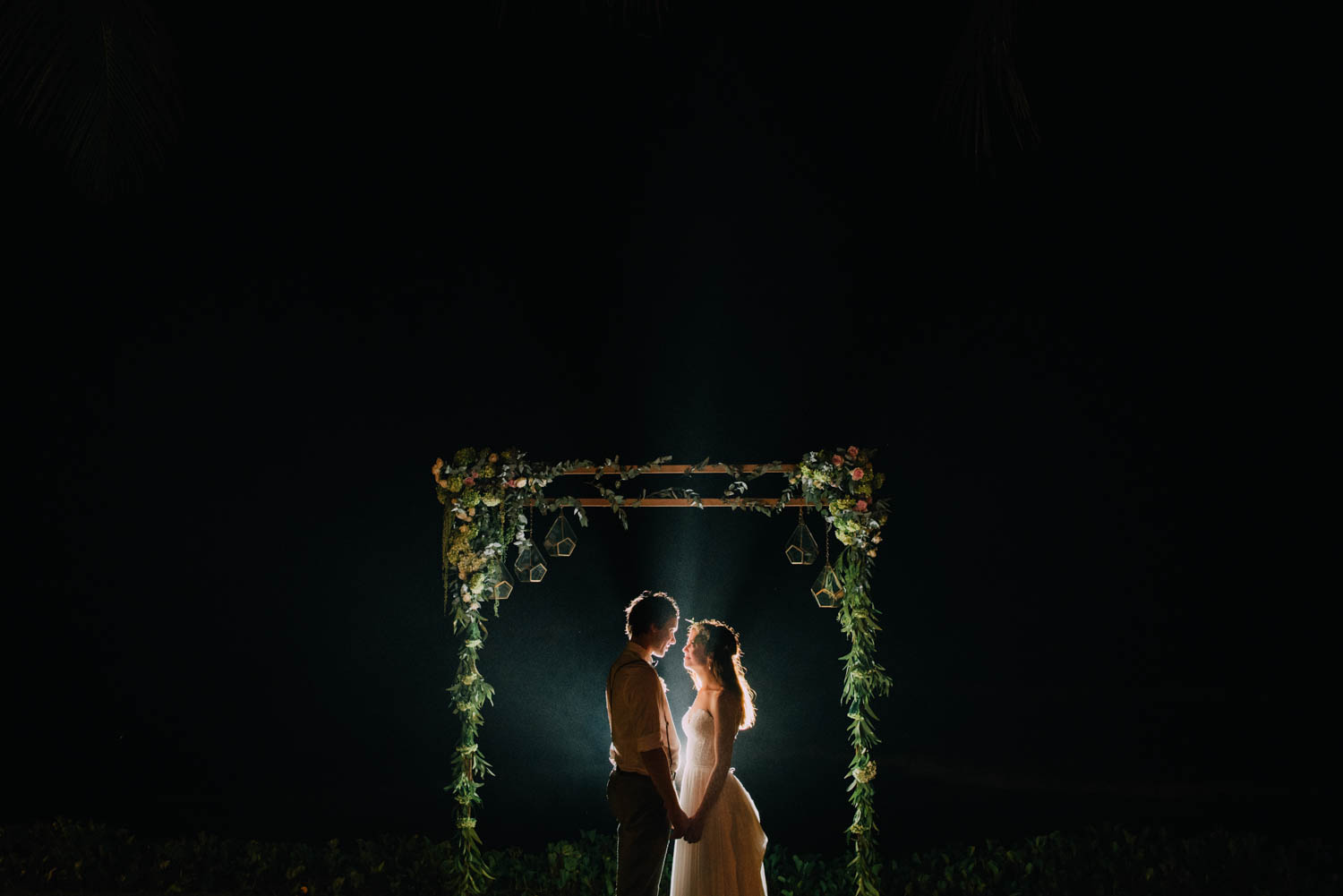baliwedding-destination-diktatphotography-weddinginbali-baliweddingphotographer-villapusphapuri-130