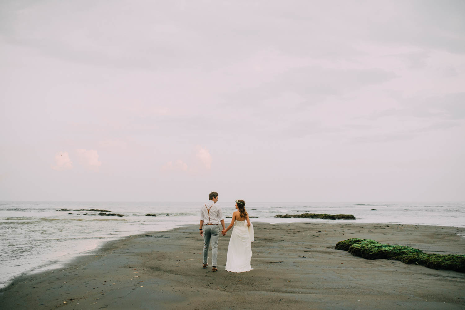 baliwedding-destination-diktatphotography-weddinginbali-baliweddingphotographer-villapusphapuri-83