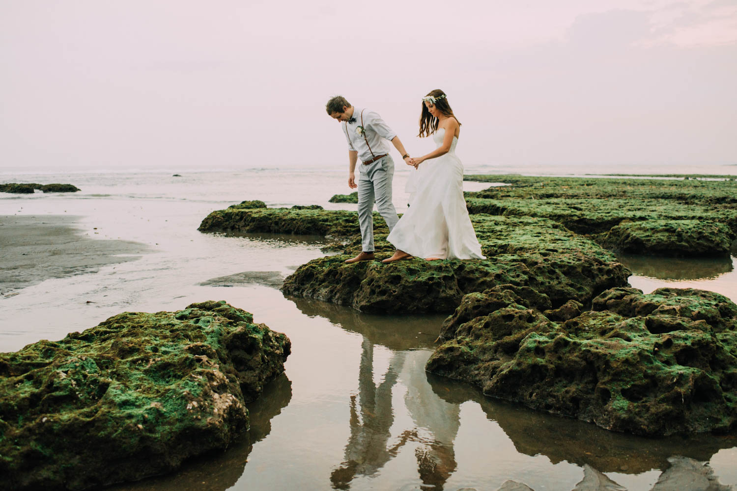 baliwedding-destination-diktatphotography-weddinginbali-baliweddingphotographer-villapusphapuri-91
