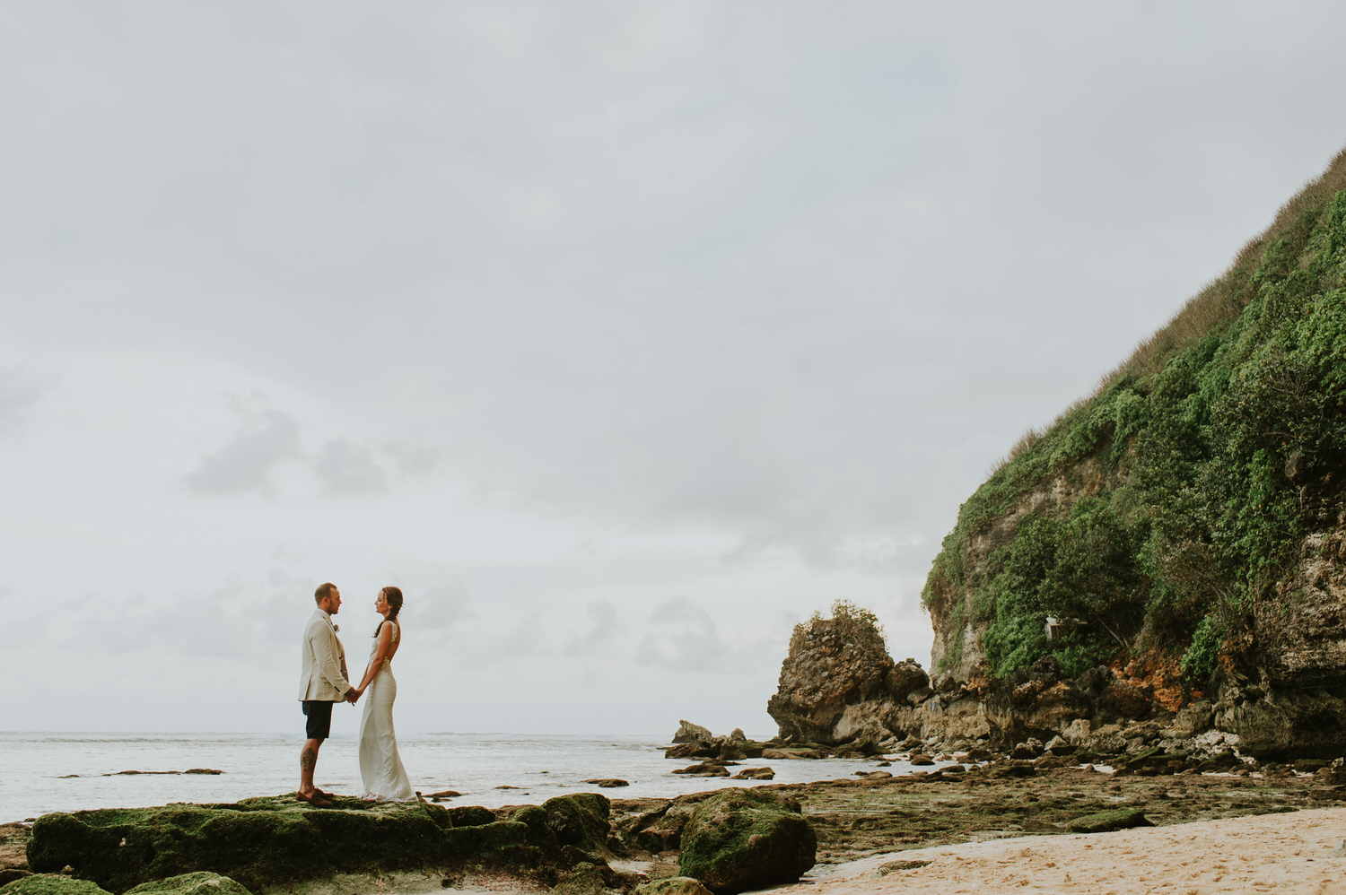 bali wedding destination - the ungasan wedding - bali wedding photographer - diktatphotography - aimee + blake wedding - 104